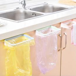 New arrivels Può appendere indietro la porta della cucina tipo gabinetto cestino staffa di immondizia pattumiera cremagliera garbage rack utensili da cucina da