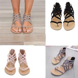 sandales robustes en taille plus Promotion Plus la taille d'été femmes talon plat Clip Toe Creux Out Rome Sandales Tongs Respirant Chunky Talons Plage Cheville Chaussures 2018