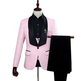Тонкий костюм подходит розовый онлайн-Pink Suit Men 2018 Slim Fit Shawl Collar Costume Homme Mariage 2018 Jacquard 3 Piece Prom Tuxedo Suits Anzug Herren