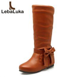 Botas de gran tamaño para mujer online-LebaLuka Big Size 30-52 Mujeres Botas planas Punta redonda Bowtie Mid Calf Boots Zapatos dulces de moda Mujer Dama Calzado