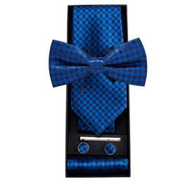 Cajas de regalo online-Hi-Tie Fashion Blue Business Plaid Corbatas para hombres Pajarita de seda Pañuelo Enlaces de regalo Set de corbata Tie Bar Hombre Corbata CF-758