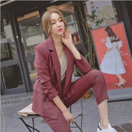 Полосатые женские куртки онлайн-Работа брюки костюмы два 2 шт набор женщин двубортный полосатый блейзер куртка и брюки мода офис Леди костюм Feminino 2018