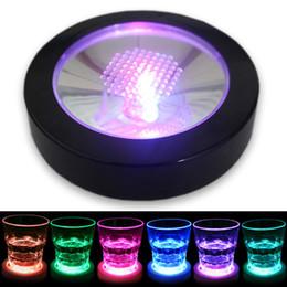 Colore nero online-Colore cambiando LED lampeggiante Sottobicchiere Borraccia Tazza stuoia titolare per Party Club Bar Decorazione di cerimonia nuziale Guscio nero Luce colorata