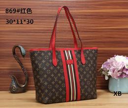 0bec570e6 ... sacos de marca de luxo bolsa de Famoso designer de bolsas Senhoras bolsa  de Moda sacola mulheres loja de sacos mochila sacolas de nylon nylon  promoção