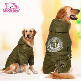 Perros ejército abrigos chaquetas online-Cálido Invierno ejército verde grande grande ropa para mascotas perros con capucha Fleece perro Golden Retriever de algodón acolchado chaqueta de la capa ropa del perro para