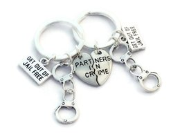 Wholesale Handcuff Keys - Couple Funny Keychains 2018 New Ornaments Handcuffs Get Out of Jailbreak Love Partner Cool Key Chain Hot sale