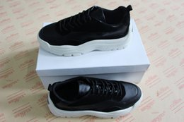 Canada Marque de luxe Casual Chaussure Homme Femme Sneaker Créateur de Mode chaussures Garavani veau et daim baskets semelle en caoutchouc Taille 35-44 cheap women suede sole Offre