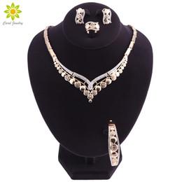 intera venditaFashion color oro nigeriano wedding beads africani set di gioielli donna dubai jewelry set all'ingrosso costume design da