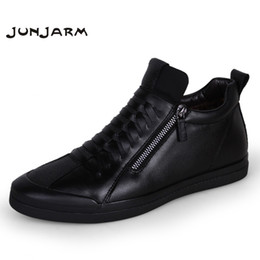 Botas de invierno para hombre cremalleras online-JUNJARM 2017 Hombres Botas Cálido Plush Mens Zapatos de Invierno Hombres de la manera Botas de Nieve Cremallera Hombre Tobillo Negro Algodón Dentro de los Zapatos