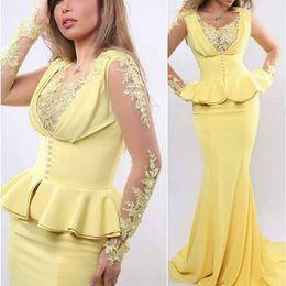 f48b478fd51 robe jaune peplum satiné Promotion Robes de soirée jaunes Scoop Decollete  Dentelle Appliques Perles Perles Peplum