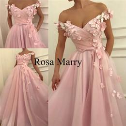 Pink 3D Floral 2K19 baratos vestidos de baile una línea de hombro más tamaño flores perlas 2020 árabe africano graduación formal vestido de fiesta por la noche desde fabricantes