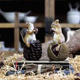 Wholesale Resin Squirrels - Cute American Countryside Atifical Resin Squirrel with nuts Animal Figurine Home Decor Garden Decoration Crafts Home Accessories DEC1601