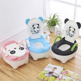 Asiento de niño pequeño online-Bebé Infant Toddler Kid Panda Urinarios Potty Seat Toilet Boy Stand Vertical Pinico Orinal Niños Panda Baño Potty