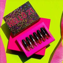2018 новые макияж блеск для губ Привет 21 день рождения коллекция Привет 21 6-цвет матовый блеск для губ помада потягивая довольно бесплатная доставка от Поставщики бесплатный день рождения