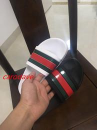 2019 sandales en caoutchouc blanc NOUVEAU Designer pantoufles Gear bottoms sandales à rayures pour femmes causal non-slip été pantoufles huaraches tongs pantoufle BEST QUALITY