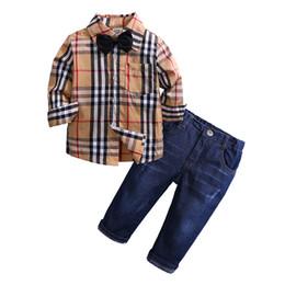 Ropa de niño talla 3t online-Baby Boys Gentleman Clothes Kids Bow and Plaid Shirt Jeans Niños Otoño Ropa de mezclilla Conjuntos para talla 1-7 años