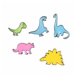 Nette Blaue Rosa Dinosaurier Emaille Broschen Pins Kleintier Kawwi Revers Pins Für Kinder Anzug Hemd Kragen Decor Korea Stil Mode 2018 von Fabrikanten
