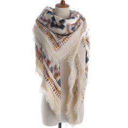 Wholesale Dessins d ingénierie humaine en laine d hiver foulard carré en coton femme châle chaud
