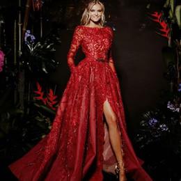 Rotes langes kleid langarm