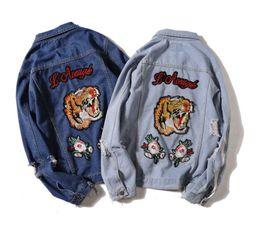 Brodé applique tigre Armband Hip Hop Denim Jean Vestes Hommes Femmes Mode Bomber Man Veste Hommes Coupe-Vent Streetwear Couples Dress ? partir de fabricateur