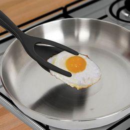 Flip strumento online-Creativo Egg Spatula Pie Servers + Pinzette 2 IN 1 Flip Pancake perfetto Rendere utile Facile cottura Cottura Pala Utile Utensile da cucina di casa