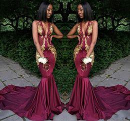 Abiti da sera sexy bordeaux africani con scollo a V e maniche lunghe abito da ballo con applicazioni in oro stile sirena Abiti da cerimonia da