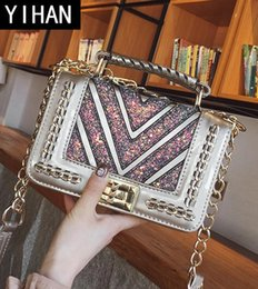 Wholesale authentic brand handbags - Factory wholesale brand handbag authentic woven handbag fashion elegant little woman all-match V leather chain bag Korean sequined woman bag
