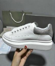 Top qualité designer femmes et hommes de haute qualité marque design réel en cuir baskets mode casual confortables chaussures plates lacets 36-46 ? partir de fabricateur