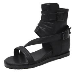 Argentina Zapatos de verano negro caqui sandalias de mujer cubierta tacón de cuero suave Casual dedo abierto cuñas de gladiador bajo talón CZ124 Suministro