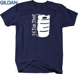 21afc7f52 Las camisetas al por mayor de los hombres casuales de la aptitud del  descuento golpearán esa cerveza que beben la camiseta de la universidad del  camarero ...