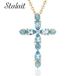 Ciondolo croce cristallo blu online-Moda croce pendente collana per le donne in oro colore cubic zirconia blu cristallo pietra collane pendenti gioielli da sposa
