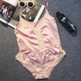 2019 pantalones cortos de pijama caliente Gran marca de lujo de satén de imitación de las mujeres pijama corto conjunto sexy pijamas de encaje traje de seda delgada ropa de noche de las mujeres calientes s1015 pantalones cortos de pijama caliente baratos