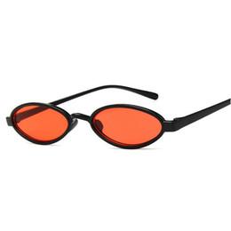 Petit Ovale Lunettes De Soleil Femmes 2018 Marque Designer Haute Qualité  Cool Lunettes Femelle Petite Taille Cadre Lunettes Hommes UV400 FML lunettes  de ... 2e4387bc7e04