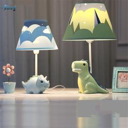 Творческий мультфильм смолы динозавры настольные лампы для гостиной детская спальня прекрасный исследование прикроватная лампа дети подарок на День Рождения от Поставщики увеличительная линза