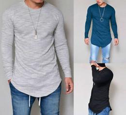 Camisa de hombre manga larga online-Los hombres populares de la camiseta más vendidos nuevos leggings de color sólido de largo y delgado delgado cuello redondo de los hombres de manga larga T-shirt ventas al por mayor