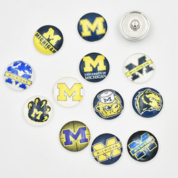 Wholesale Team Sports Accessories - Newest MICHIGAN Snap Buttons 18MM Round Glass NCAA Sports Team Snap Charms High Quality Snap Accessories For Necklace Bracelet Earring