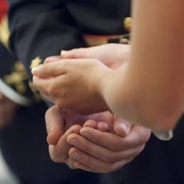 2019 gros bijoux de fantaisie en or Toute ventePersonnalisé De Mariage Arras Personnalisé Gravé Nom Unité Espagnole Pièces De Monnaie Argent Couple Arras Coins De Cérémonie De Mariage Boda 13pcs