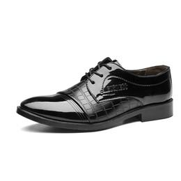 Confortável oxfords mens vestido sapatos on-line-Tamanho 38-48 Homens Sapatos de Vestido de Casamento de Couro de Patente de Negócios Considerável Confortável Mens Sapatos Formais Dos Homens Do Partido Sapatos Oxford para homens