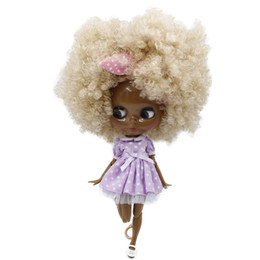 Capelli bianchi bambola online-Nude Blythe doll ICY Nude Blyth bambola No.QE337 bianco crema ricci pelle Afro capelli giunto corpo Super Black BJD Neo 30 centimetri