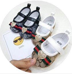 Canada Chaussures de bébé de haute qualité fond mou anti-dérapant en cuir chaussure de sport pour Infant Toddler Boys en cuir T-liée chaussures unisexe supplier infant boy ties Offre