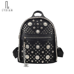 Mochilas punk rock on-line-Cadeia Lydian Moda Pequenas Mulheres Backpack Rivet Zipper Pu Punk rock do estudante mochila legal do estilo do ombro Girls Mulheres Back Pack