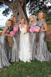 vestidos de primavera para convidados Desconto Bainha colher vestido de dama de honra prata lantejoulas manga curta sparkly longo vestidos de festa de casamento custom made jardim venda quente até o chão