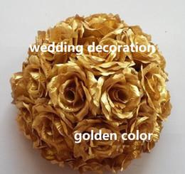 2019 fiori appesi per le feste Palla fiore d'oro baci palla decorazione della festa nuziale appeso palla di colore dorato seta rosa fiore FB022 sconti fiori appesi per le feste