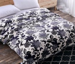 Wholesale Plaid Comforter Full - New Warm Plush Warm Blanket Super Soft Home Bedding Blankets Plaid on the Bed Travel Picnic Rugs Baby Bedspread Comforter
