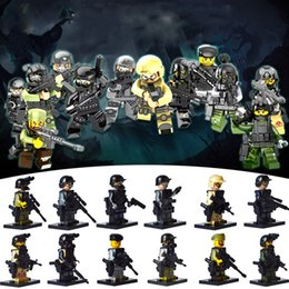 Wholesale toy soldiers buildings - 12pcs City Police Swat Team Cs Commando Army Soldiers With Weapon Gun Assembling Building Blocks Military Toys For Children