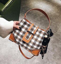 Wholesale Ladies Laptop Tote Bags - Factory wholesale brand handbag new winter Plaid Canvas Tote Handbag soog tattoo woman fashion hit the lovely ladies PEARL RIBBON laptop bag