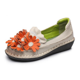 Wholesale Hot Dresses Pregnant Women - Hot selling Handmade cowhide flowers flat shoes woman Soft and comfortable genuine leather shoes new 2018 spring shoes pregnant women flats