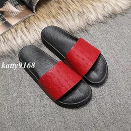 Wholesale womens slide sandals - 2018 Mens and Womens fashion logo embossed leather Slide Sandals with Molded rubber footbed male female beach flip flops