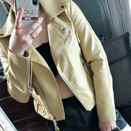 señoras chaquetas de cuero amarillo Rebajas 2019 nuevas mujeres moda primavera Autunm Faux Leather Jackets Lady PU motocicleta Biker manga larga abrigos abrigos amarillo Streetwear