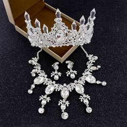 Wholesale White Diamond Tiara - European and American British Wind Brides High-grade Three-piece suit Wholesale Alloy Water Diamond Jewelry Crown necklace earrings New styl